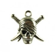 Skull With Crossing Swords #4876
